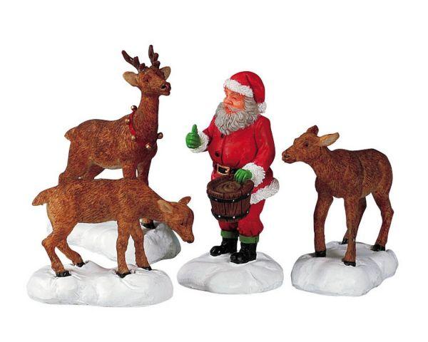 LEMAX - Santa Feeds Reindeer